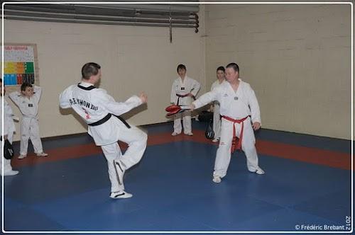 Taekwondo_12_01_27_11-BorderedNew