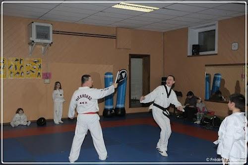 Taekwondo_12_01_27_29-BorderedNew