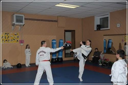 Taekwondo_12_01_27_30-BorderedNew