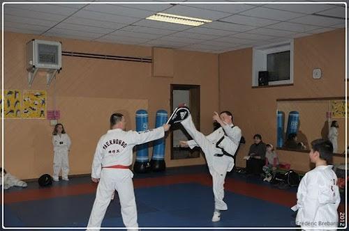 Taekwondo_12_01_27_31-BorderedNew
